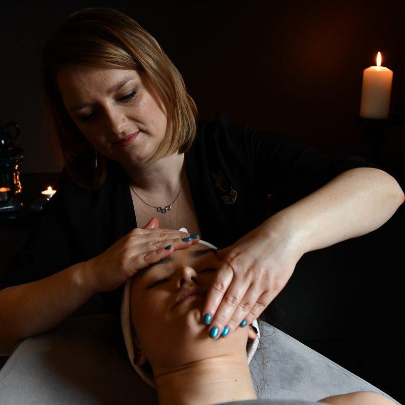 Odmładzający japoński masaż twarzy
